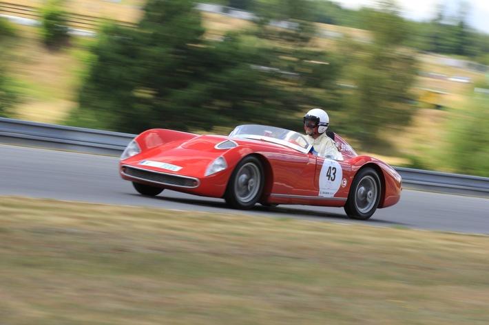 SKODA öffnet Fans die Türen beim AvD-Oldtimer-Grand-Prix und stellt 46 Fahrzeuge zur Schau