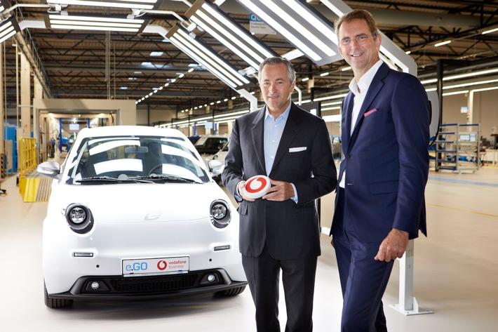 Ans Netz gegangen: Deutschlands digitales Automobilwerk e.GO, Vodafone und Ericsson starten mobile Datenvernetzung in der Produktion