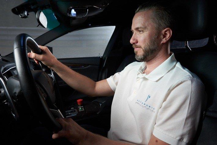 Erste Leistungstests des Battista: Automobili Pininfarina plant Vorstellung von Design-Zukunftsvision während Monterey Car Week