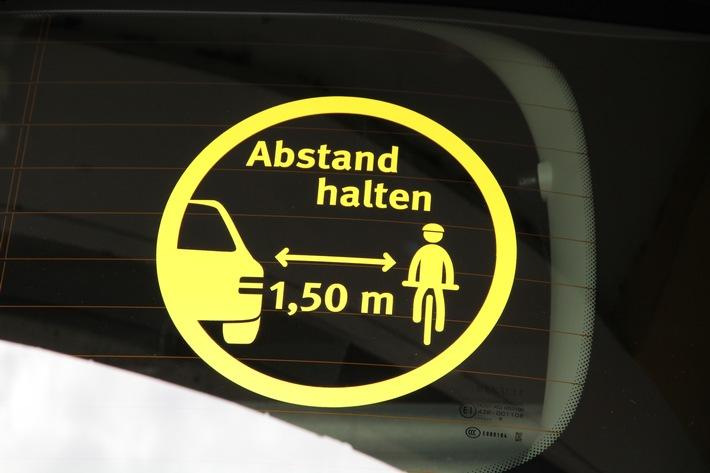 Drei neue Autoaufkleber für sicheres Verhalten im Straßenverkehr