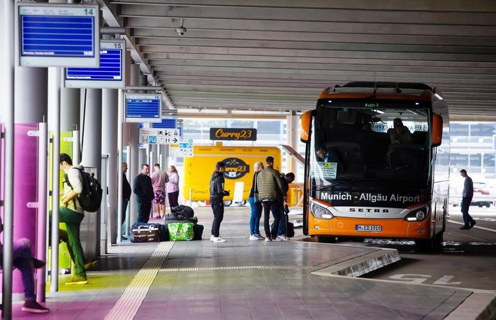 Fernbus-Bahnhöfe: Passagiere stehen zu oft im Regen / ADAC Test kritisiert oftmals fehlende Fahrgastinformationen / Zu wenig Sitzplätze im Wartebereich / Testsieger ist Stuttgart