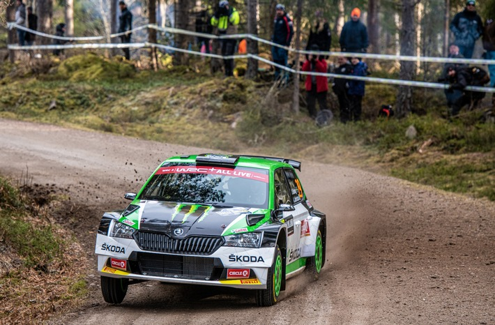 Rallye Italien Sardinien: SKODA Privatfahrer kämpfen in WRC2 und WRC3 um Siege