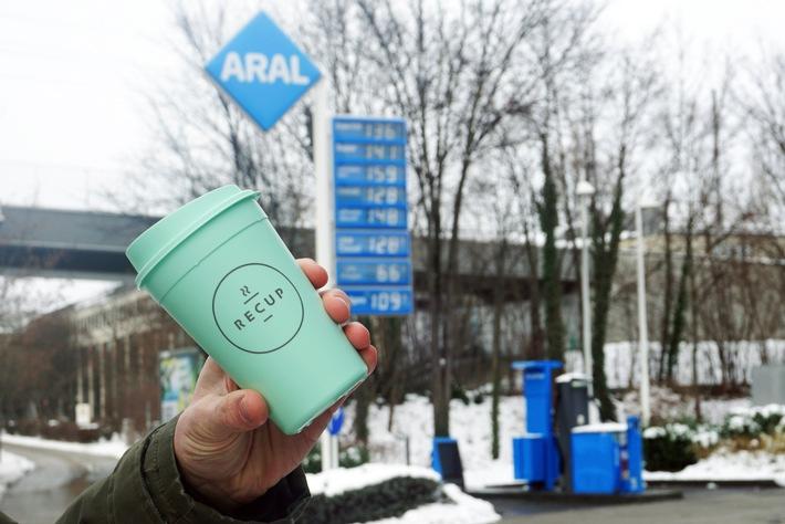 Mehrweg auf der Überholspur: Tankstellenunternehmen Aral schließt sich dem RECUP-Pfandsystem an