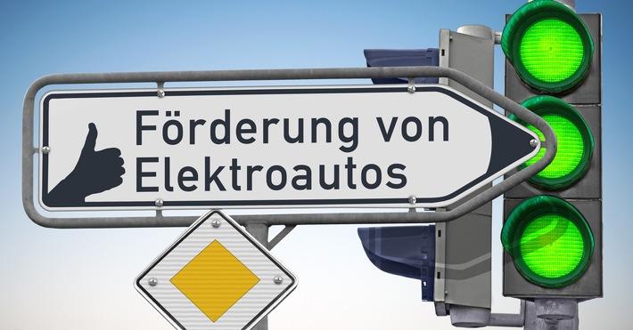 """Dank Umweltbonus setzen sich immer mehr Autofahrer mit dem Thema """"Elektrofahrzeug"""" auseinander"""