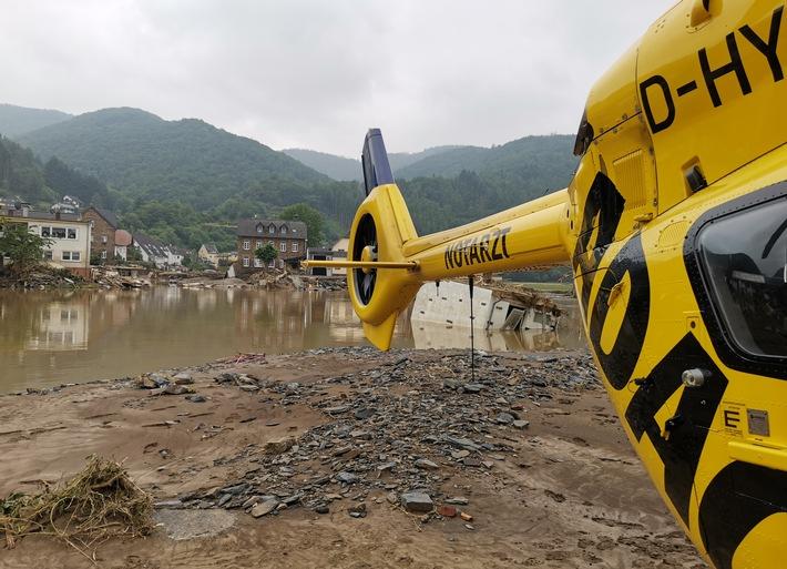 Hochwasser: Noch nie so viele Spezialeinsätze aus der Luft / ADAC Luftrettung zieht Bilanz der Arbeit im Katastrophengebiet / Mehr als 200 Einsätze, davon 111 Windenrettungen