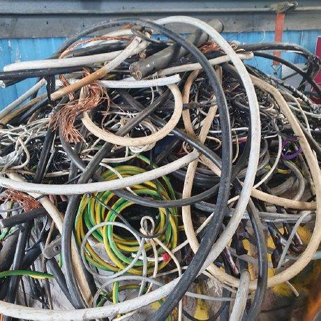 Schrotthändler in Aachen: Metall-Abholung & Schrottentsorgung