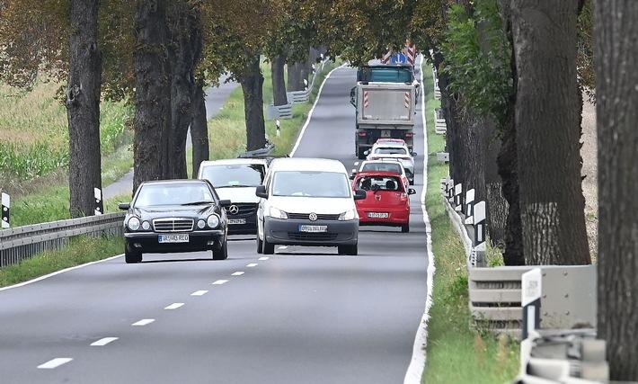Viele Unfälle durch riskantes Überholen: Im Zweifel nie!